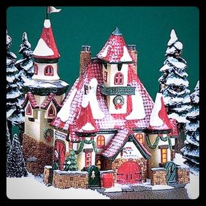 Dept56 Rte 1 North Pole Home of Mr. & Mrs. Claus
